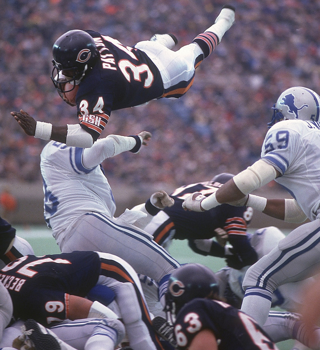 ThrowBack of the Week: National Football League | Fan-I SportsWalter Payton Jumping Touchdown